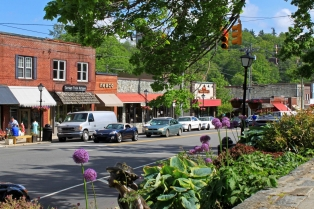 blowing-rock-main-street